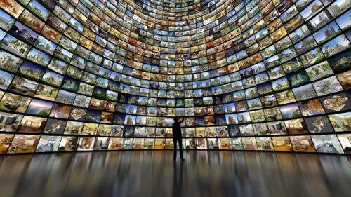 Wall of monitors for blog post